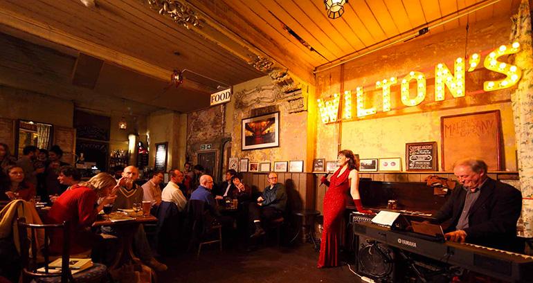 Wilton's Mahagony Bar