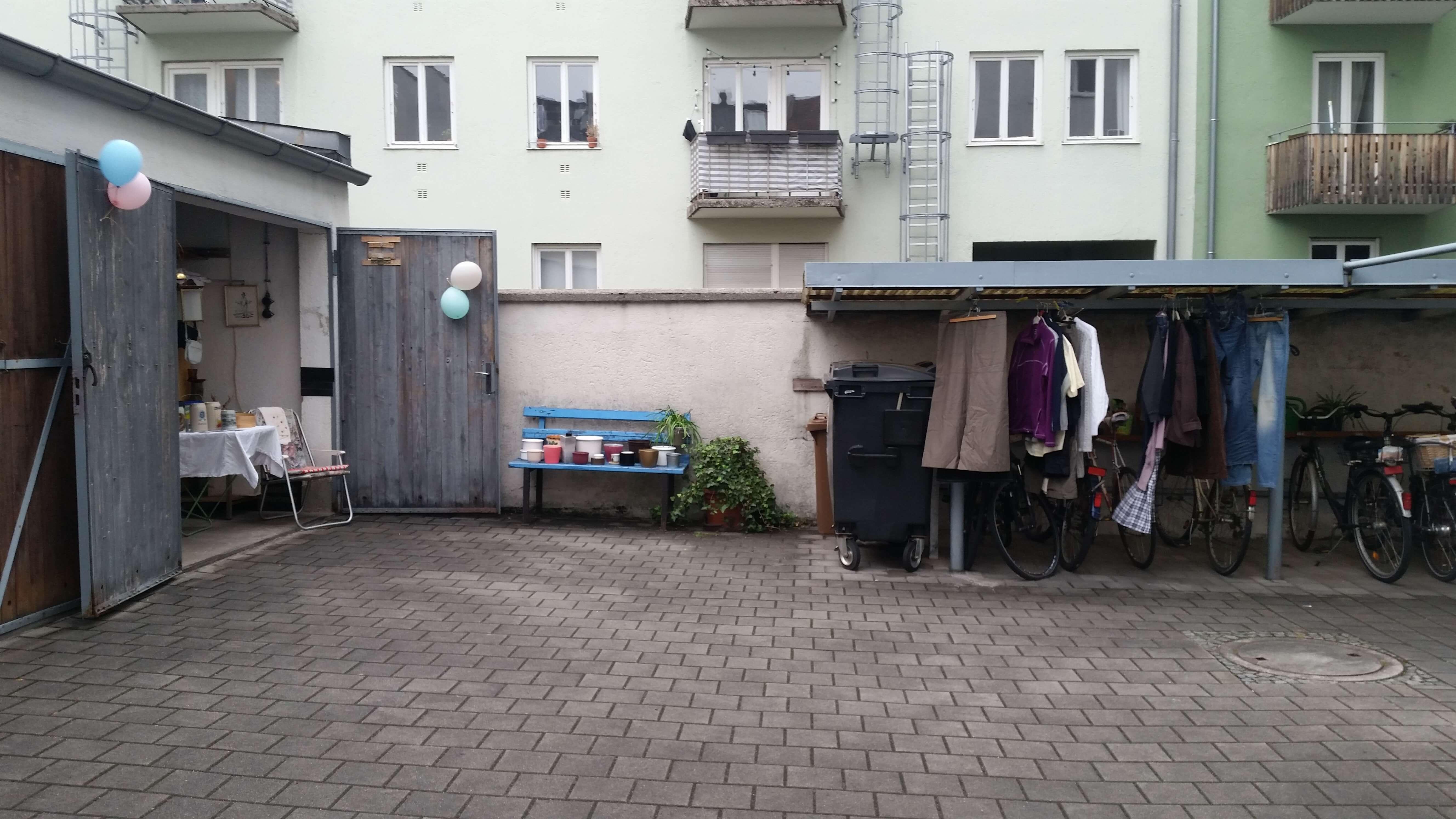 Munich Courtyard and Garden Flea Markets