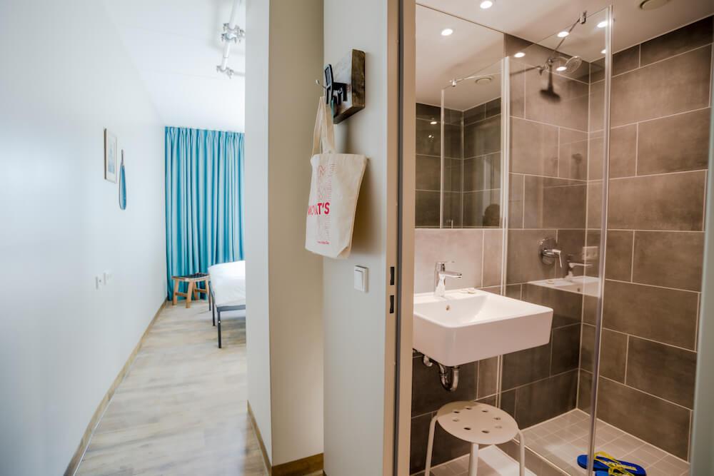 wombats munich werksviertel bathroom